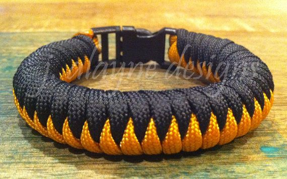 Two Colored Snake Knot Paracord Survival Bracelet