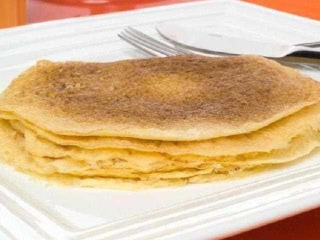 Crepes sin gluten. Receta de crepes para celíacos. Basta con sustituir la harina de trigo por la de arroz o la de maíz.