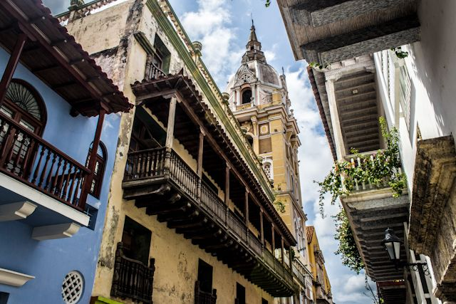 1000 images about colonial balconies balcones - Arquitectura cartagena ...
