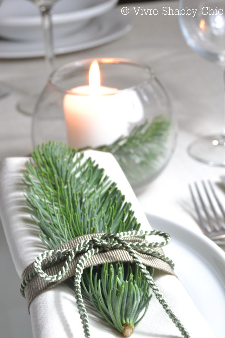 Christmas setting table. Inspirations... Natale a tavola... www.vivreshabbychic.com