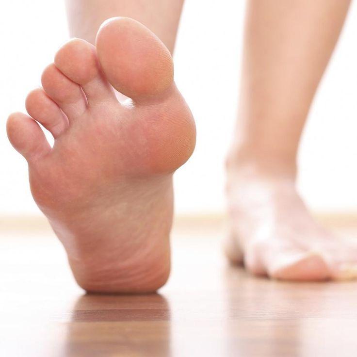 Exercícios para a fascite plantar. Os exercícios para fascite plantar são altamente recomendados para curar por completo esta patologia e manter a saúde dos nossos pés. Um tratamento inadequado ou a não realização do procedimento para ...
