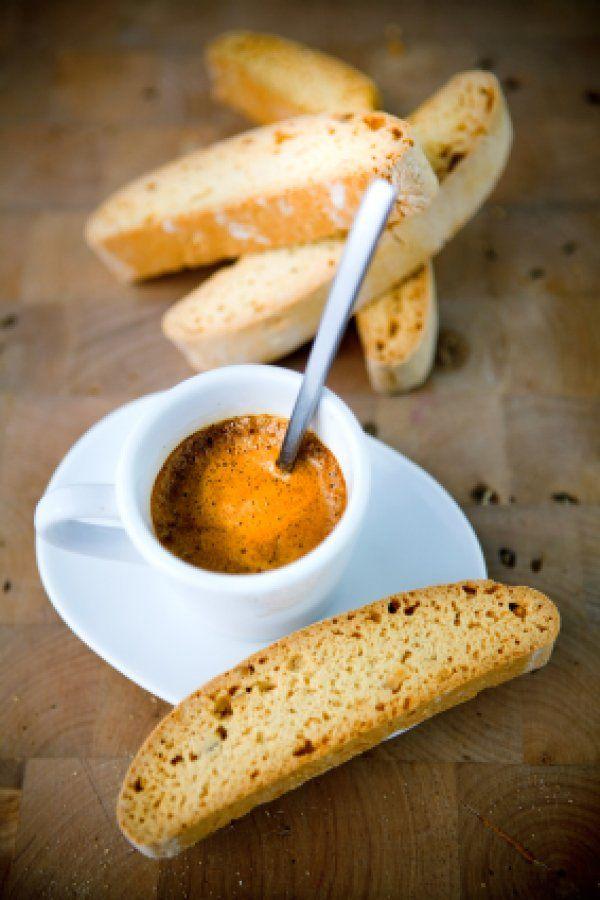 caffè and cantuccini.... buono!!!!!!!!!!!