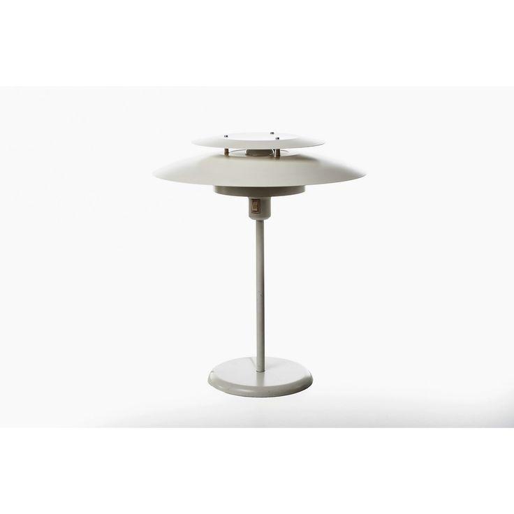 Lampada da tavolo svedese anni 70  produzione Atelje Lyktan Ahus colore bianco in metallo laccato