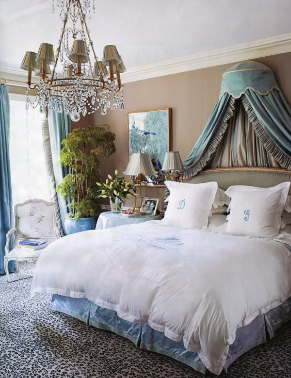 Love the soft blue (reminds me of Gone with the Wind) with animal print rug/carpet.