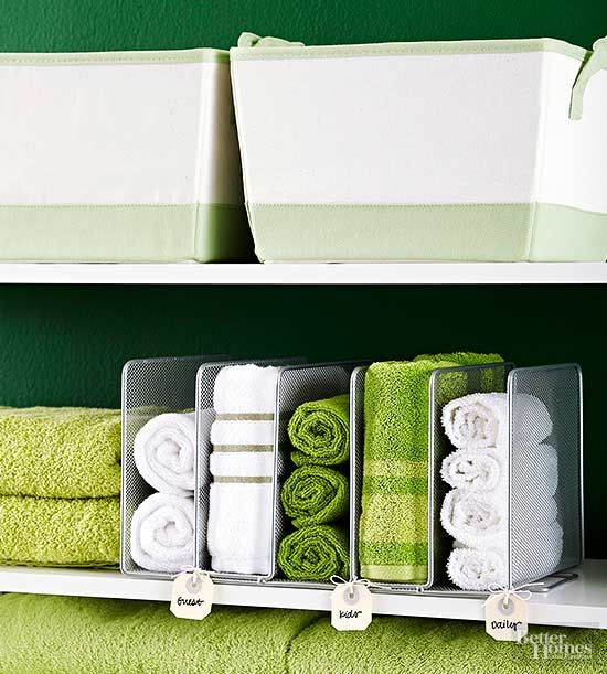 Problem: No towel rack Solution: A metal paper file makes a perfect storage place for rolled towels in the bathroom. Not only are the towels easy to reach, but they become instant decoration. So choose towels in multiple colors for a beautiful display./