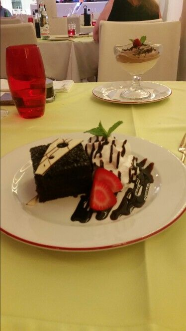 Chocolate cake Stracta Restaurant Vilamoura