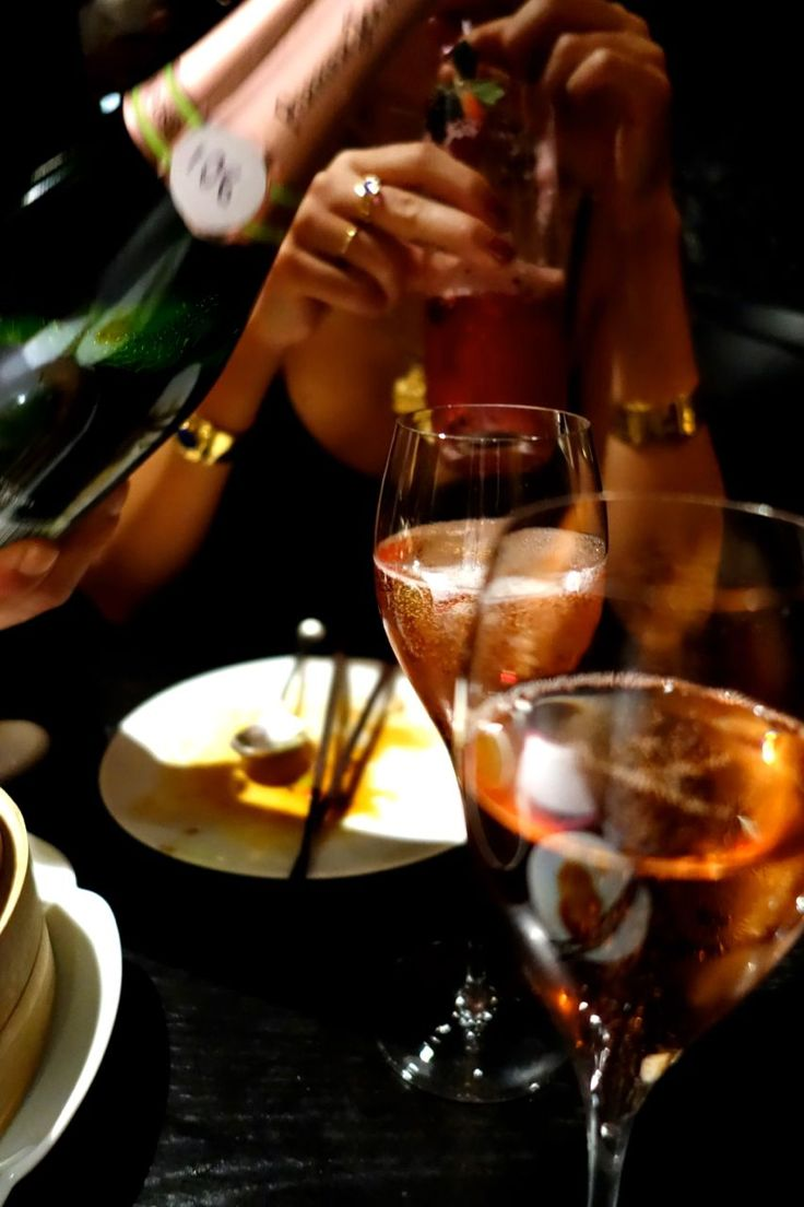 A Party without Champagne is just a Meeting www.the-champagne.ch