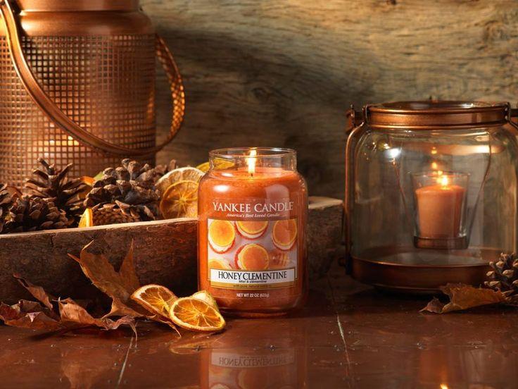 Honey Clementine  Uppfriskande apelsin blandas med sött i denna honungsdoppade citrusglädje.  Ingår i höstens nya doftserie Harvest Time.  #YankeeCandle #HarvetsTime #HoneyClemntine #Höst2016