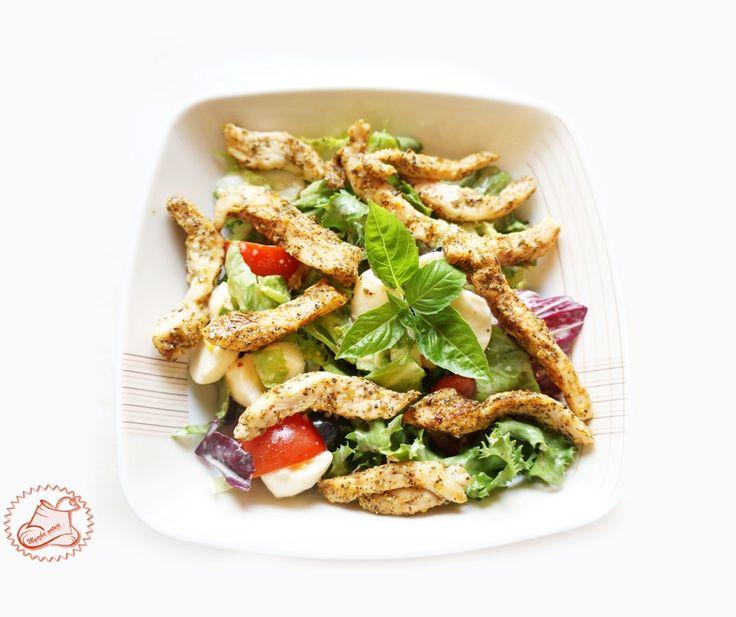 Myszka gotuje: Obiad, kolacja, przekąska ? Zdrowa sałatka z kurczakiem