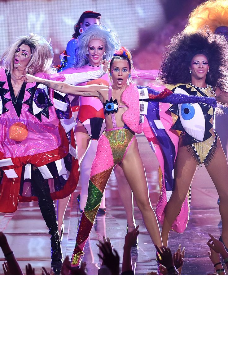 See All of Miley Cyrus's VMA Looks