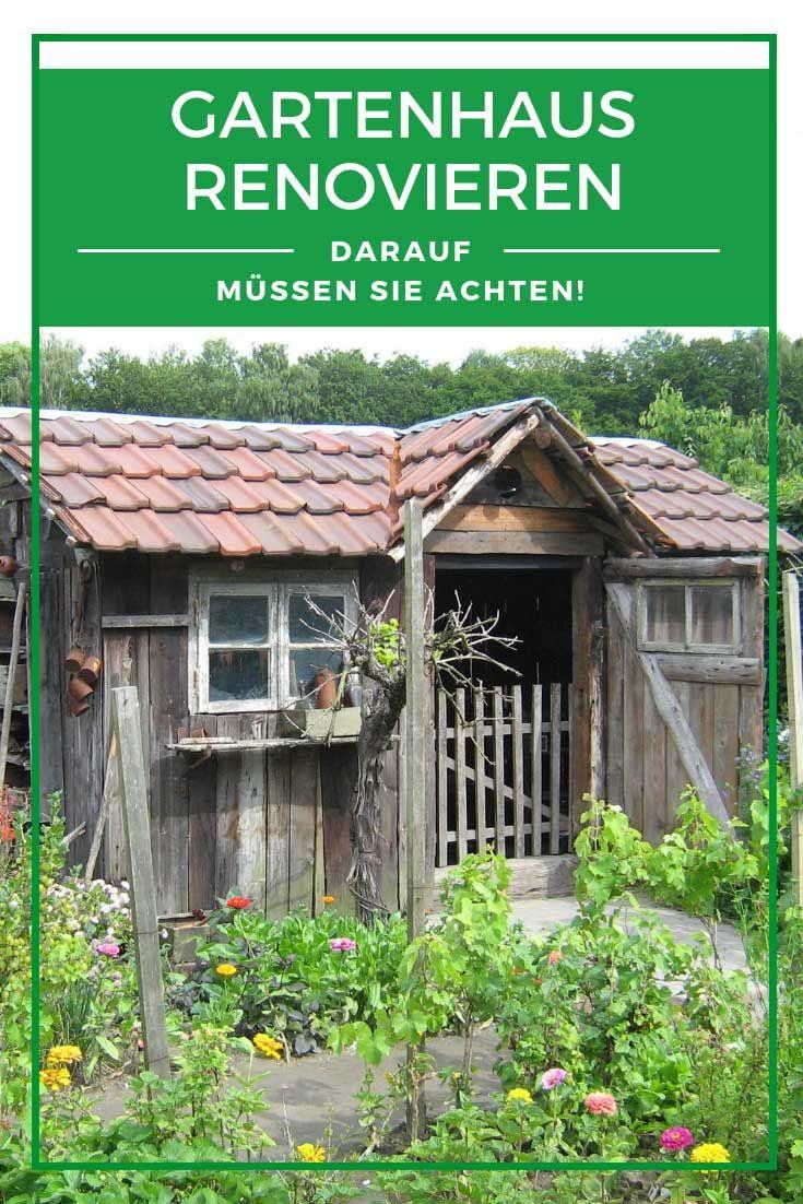 Gartenhaus Renovieren So Erneuern Sie Anstrich Und Dach Gartenhaus Solaranlage Gartenhaus Gartenhaus Bar