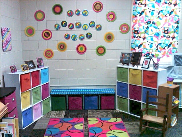 Mrs. Ring's K-Crew Kids Rock!!: The Reading Spot with a Pinterest inspired crate bench.