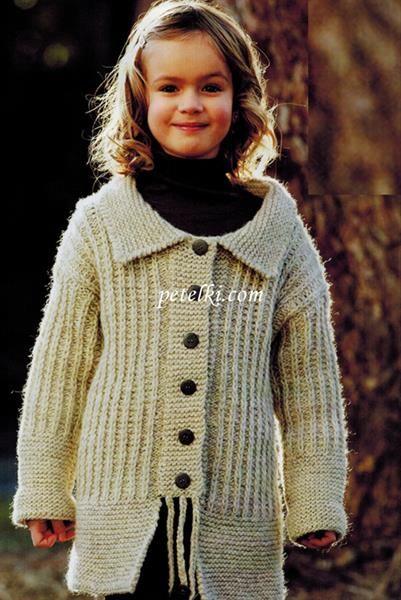 Пальто крючком для маленькой девочки