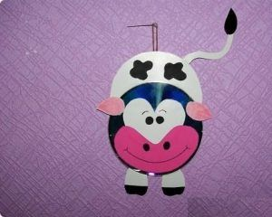 cd-cow-craft-idea-for-preschoolers