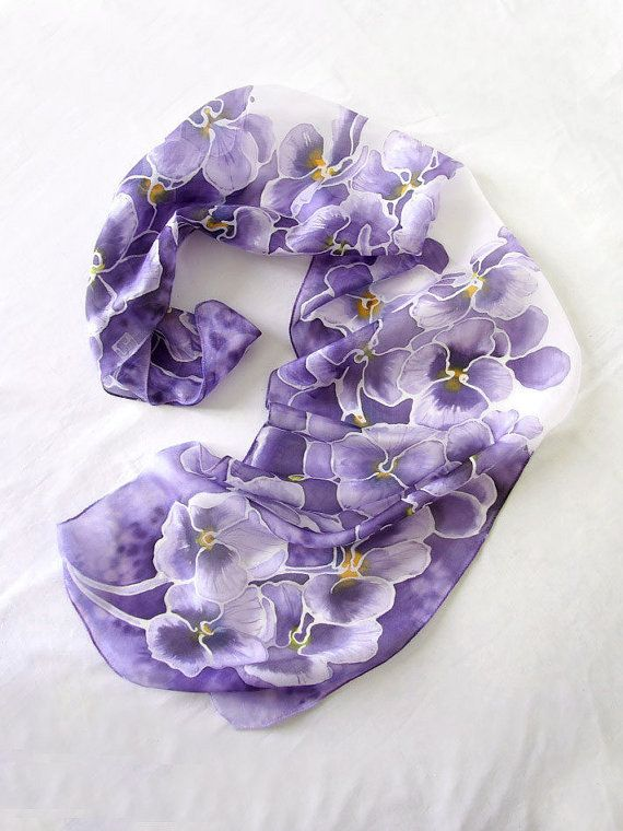 Sciarpa di seta viola del pensiero  mano dipinta di MinkuLUL