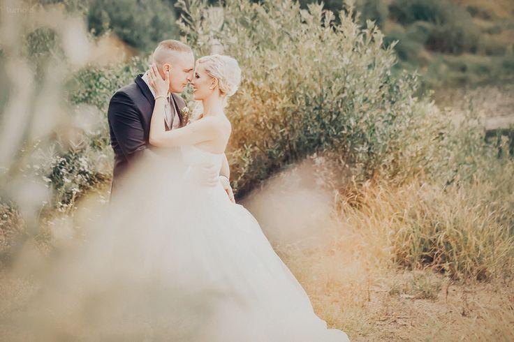 *em - Elina und Michael  (mit neuer Bearbeitung)  #wedding #inspiration #couple #realwedding #photoshoot #portrait #vintage #retro #looslikefilm #hochzeitsfotografin #ruhrgebiet  #edersee #nrw #hessen