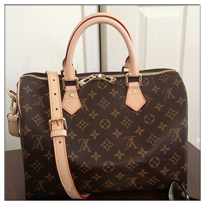 I have found the holy grail of discount purses online!! #speedy