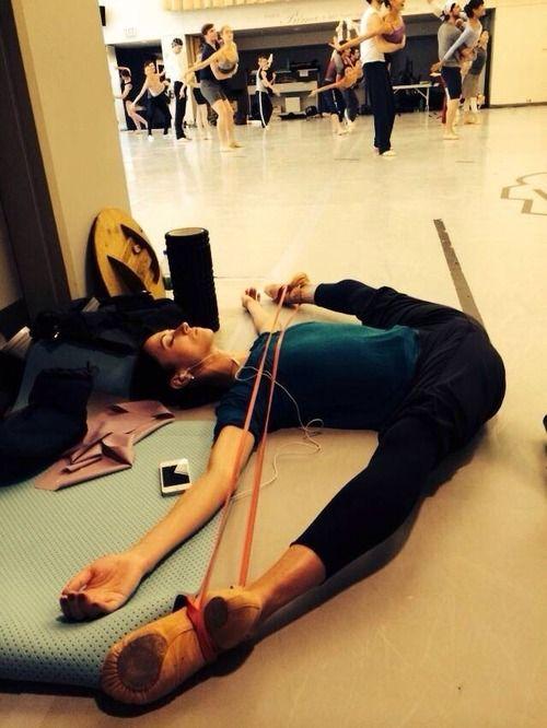 Russian prima ballerina Svetlana Lunkina of the Bolshoi Ballet warms up!