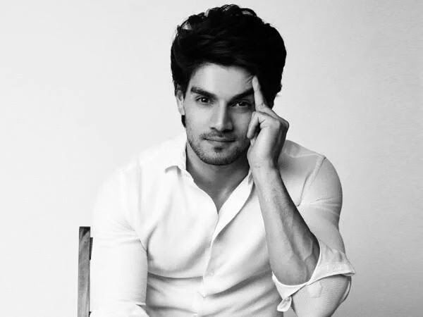 Excel Entertainment had postponed their sports drama in which Suraj Pancholi was to play footballer. But now say insiders the film is being revived. Reportedly the team is auditioning actors for the other characters.