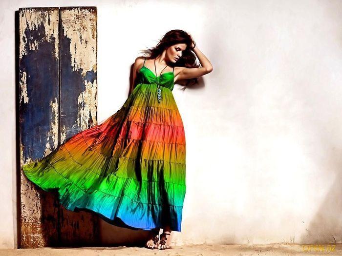 Женская одежда – это товар, который будет востребован абсолютно всегда. Вне зависимости от экономической ситуации и моды наряды самых разных стилей и ценовых категорий будут оставаться крайне востребованными. И это отличная возможность для тех, кто хочет созд�