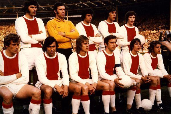 Het Amsterdamse basiselftal voor de finale tegen Panathinaikos.
