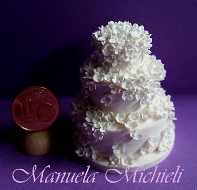 Dollshouse miniature Wedding Cake - Ispired to Peggy Porshen Frilly Petals - polymer clay
