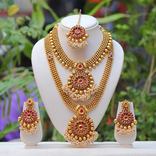 Traditional South Indian Flower Design Maroon Semi Bridal Necklace Set