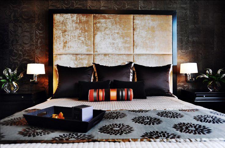Спальня в цветах: серый, светло-серый, белый, бежевый. Спальня в стилях: арт-деко.