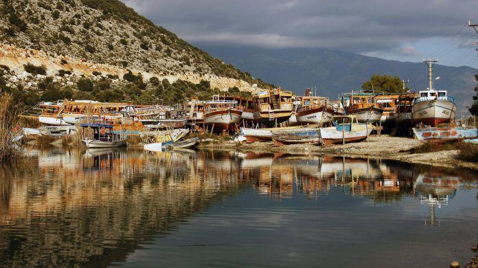 Antalya'da bulunan Demre/Andriake Limanı, sizi zamanın yoğunluğundan alacak.