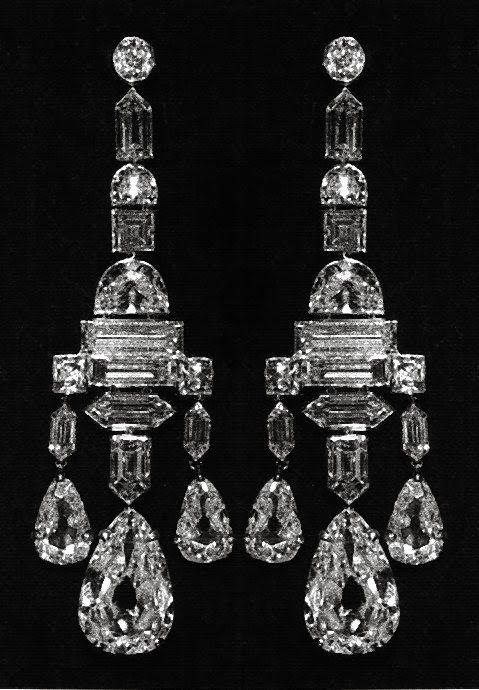 Stalking the Belle Époque: Gifts of Grandeur: The Queen Mother's Diamond Chandelier Earrings, 1918