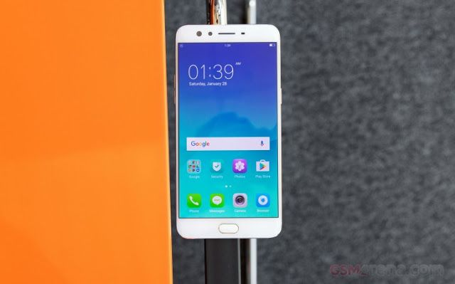 Getting noticed in a busy place like the smartphone market is no easy feat but Oppo's decision to go after the selfie-loving crowd is one t...