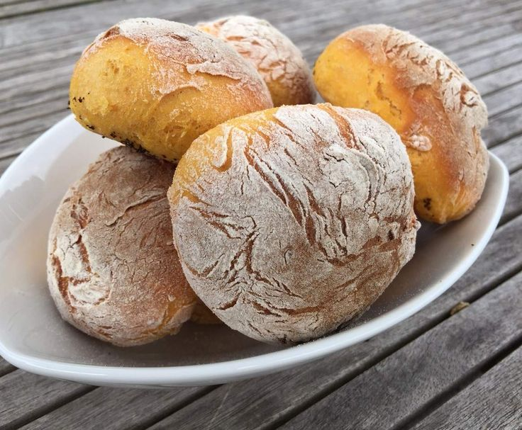 """Rezept Süßkartoffel-Brötchen """"Bolo di Caco"""" von Kettwigerin - Rezept der Kategorie Brot"""