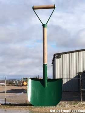 Wichita Falls, TX - Largest Shovel in Texas