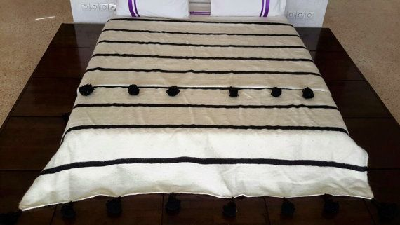 118 X78 Moroccan Wool Blankets woven by hand by MoroccanTribal