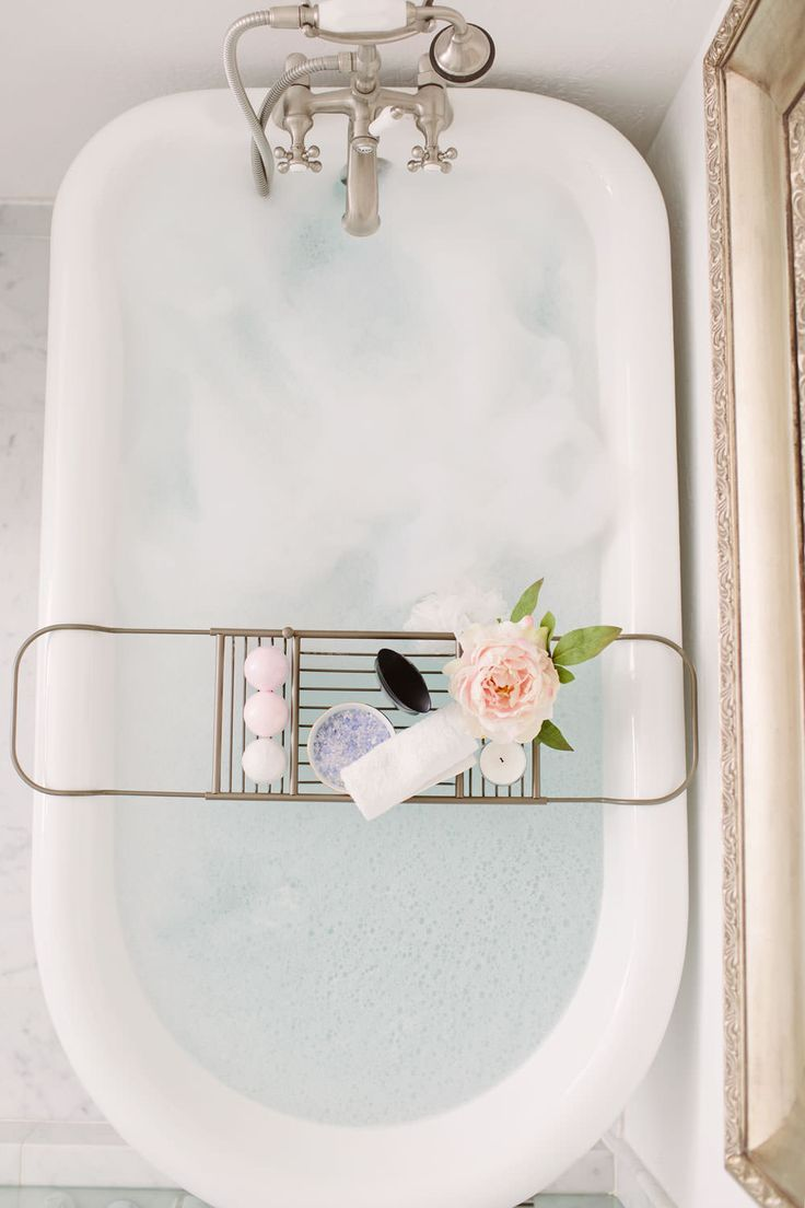 All you need for a relaxing evening is some Epsom salts and your favorite essential oils! Can we talk about how beautiful Dash of Darling's tub is?!