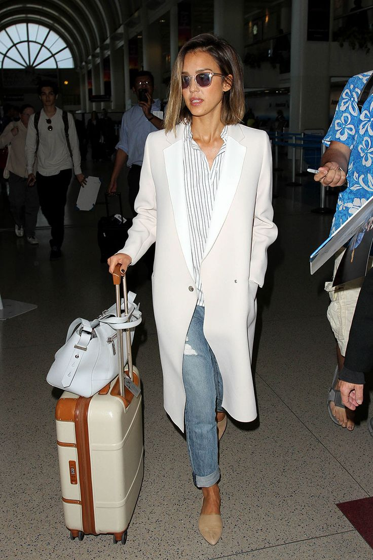 Jessica Alba en Los Ángeles | Galería de fotos 28 de 210 | VOGUE