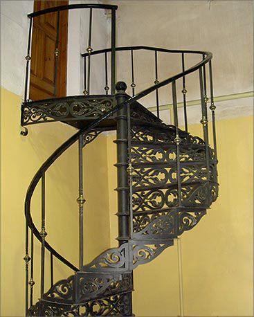 Купить кованые лестницы для дома в Москве и области   Delsnab