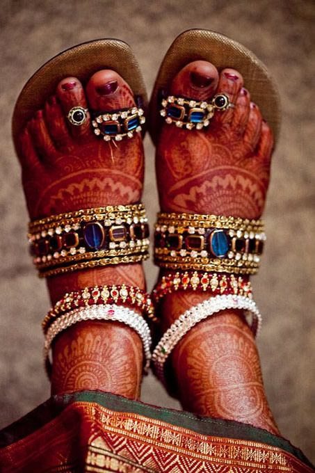 such pretty henna, beaded 'jhooti' and 'payal' anklets
