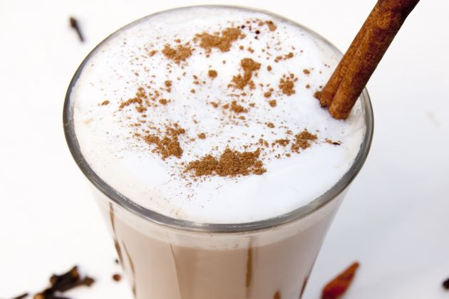 Spicy Chai Smoothie - Approx. 300 calories per serving #UWeightLoss