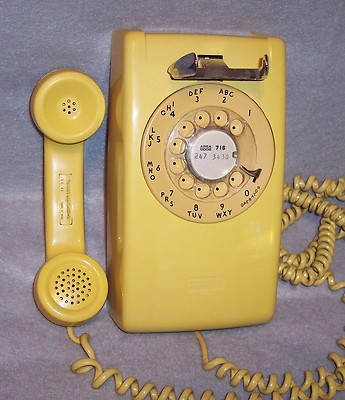 We had one like this (not yellow) for the wall too.: Wall Phone Our, Childhood Memories, Ole Days, Avocado Green, Memories Remember, Memory Lane, Remember I M, Kid