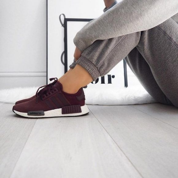 Baskets Adidas NMD R1 bordeaux : http://www.taaora.fr/blog/post/baskets-adidas-originals-nmd-r1-bordeaux #adidasoriginals #sneakers