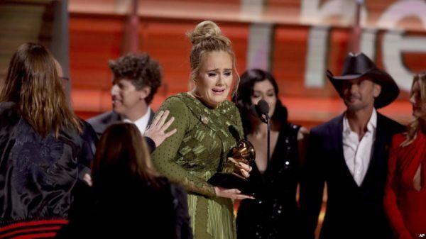 Adele sapu bersih Grammy Award 2017