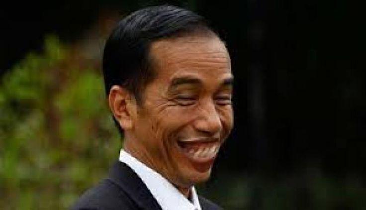 """DPR: Jokowi Terlalu Ironis.Orang Kaya Diberi Tax Amnesty Orang Miskin Dibebani Biaya STNK naiknya Listrik dan BBM  KONFRONTASI- Kalangan DPR menyesalkan kenaikan biaya pengurusan surat-surat kendaraan bermotor yang baru saja ditetapkan oleh pemerintah. Pemerintah juga diminta untuk berhenti saling lempar tanggung jawab atas soal tersebut.  Demikian disampaikan Anggota Komisi XI DPR RI dari Fraksi PKS Ecky Awal Mucharam kepada redaksi Jumat (6/1).  """"Kenaikan biaya pengurusan STNK sebesar dua…"""