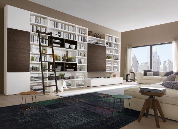 """Librerie componibili in soggiorno: la soluzione libreria 584 propone un """"ibrido"""" tra libreria e parete porta tv"""