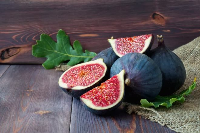 Fig Seed Oil Is A Vegetable Edible Oil Obtained By Extracting The Seeds Of Ficus Carica Tree Through Cold Pressing Method Fig Oil Is High Fiber Foods Food Fig Seeds