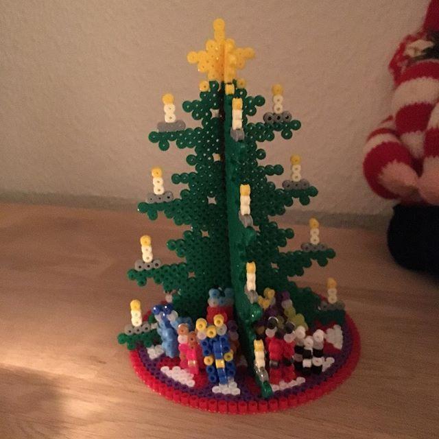 Christmas tree hama beads by  lottekris