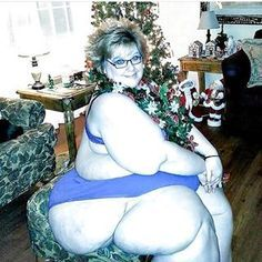 Early Christmas  #ssbbw #pawgs #massive #huge #bbw #hips #thunderthighs
