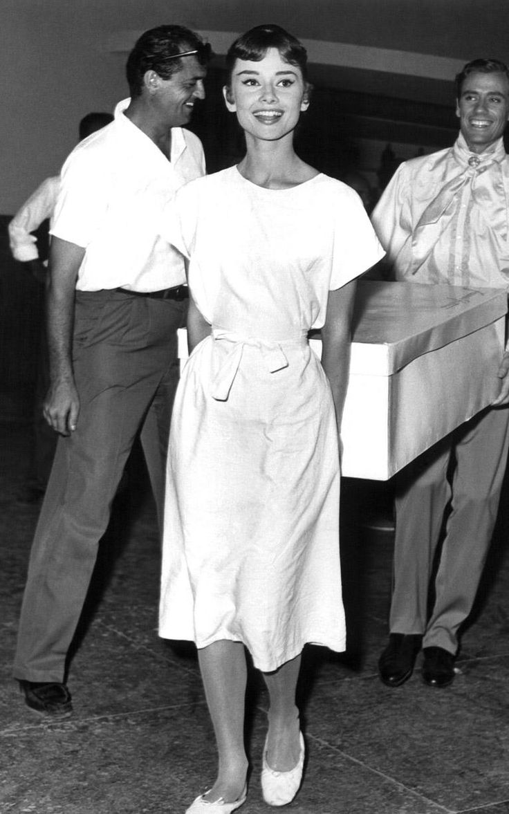Audrey Hepburn On Set Of War And Peace The Actress Showed Off Her Gamine Figure And Allegiance
