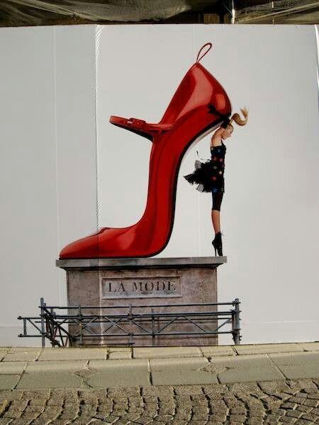 The idealist walks on tiptoe, the materialist on his heels. Malcolm de Chazal