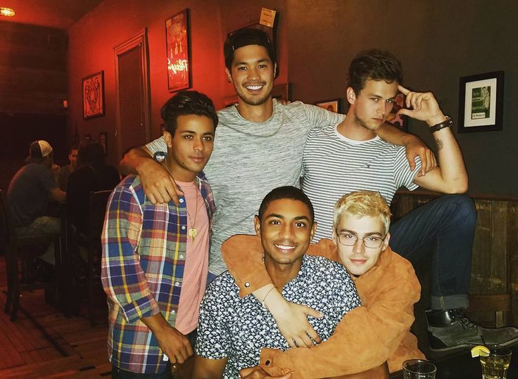 Don't Worry, the 13 Reasons Why Cast Actually Really Loves Each Other IRL